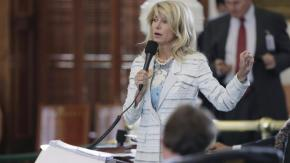 "Senator Wendy Davis credits filibuster stamina to ""weekend improvclasses"""
